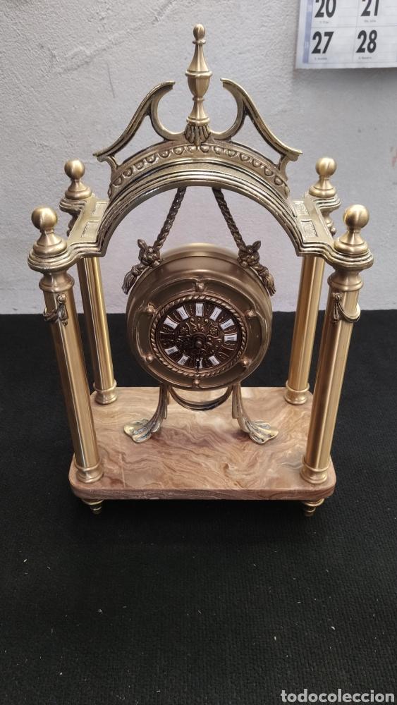 ANTIGUO RELOJ DE SOBREMESA EN BRONCE MACIZO DE 7.5KG DE PESO (Relojes - Sobremesa Carga Manual)