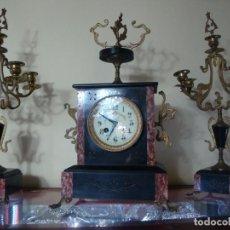 Relojes de carga manual: RELOJ SOBREMESA CON CANDELABROS. Lote 236610750