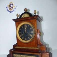 Relojes de carga manual: ,,,RELOJ DE SOBREMESA,,,CAJA DE CAOBA,,,MAQUINA SONERIA HORAS Y MEDIAS,,,. Lote 236614630