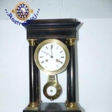 Relojes de carga manual: ,RELOJ DE SOBREMESA PÓRTICO,,,NAPOLEÓN III ,,,MEDIADOS DEL XIX,,,. Lote 236675550