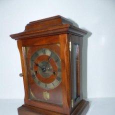 Relojes de carga manual: ,RELOJ DE SOBREMESA,,,SONERÍA HORAS Y MEDIAS,,,CAJA DE NOGAL,,,. Lote 236677845