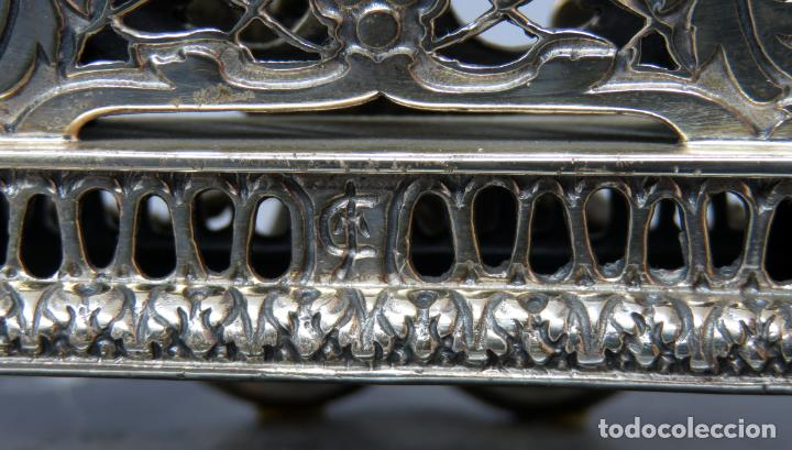 Relojes de carga manual: Reloj de plata de la casa Alberty con base de mármol negro pisapapeles siglo XX - Foto 12 - 237676635