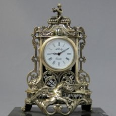 Orologi di carica manuale: RELOJ DE PLATA DE LA CASA ALBERTY CON BASE DE MÁRMOL NEGRO PISAPAPELES SIGLO XX. Lote 237676635