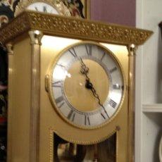Orologi di carica manuale: ESPECIAL RELOJ ELECTROMECANICO DE BRONCE DORADO - CON DOBLE CAMPANA. Lote 240090945