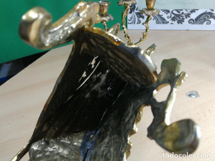 Relojes de carga manual: Bello conjunto de reloj de bronce y dos candelabros de bronce, maquinaria nueva puesta hace 1 año - Foto 30 - 242426990