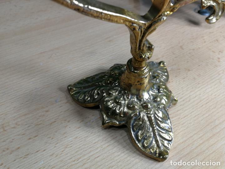 Relojes de carga manual: Bello conjunto de reloj de bronce y dos candelabros de bronce, maquinaria nueva puesta hace 1 año - Foto 45 - 242426990