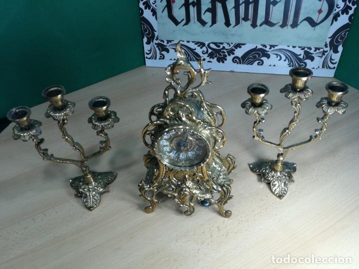 Relojes de carga manual: Bello conjunto de reloj de bronce y dos candelabros de bronce, maquinaria nueva puesta hace 1 año - Foto 54 - 242426990
