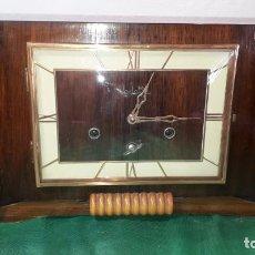 Horloges à remontage manuel: ESPECTACULAR RELOJ ART-DECO DE MADERA. Lote 243452470