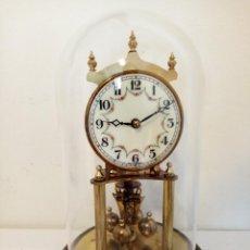 Orologi di carica manuale: RELOJ DE SOBREMESA CUNDO DE CUPULA WEST GERMANY. Lote 244863105