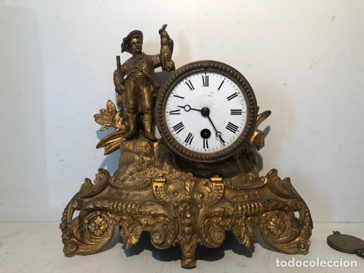 ANTIGUO RELOJ DE SOBREMESA, CAZADOR DE CALAMINA. (Relojes - Sobremesa Carga Manual)