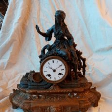 Relojes de carga manual: RELOJ DE SOBREMESA S.XIX DE CALAMINA. Lote 248042980