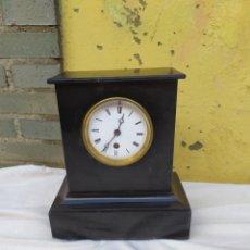 Relojes de carga manual: ANTIGUO RELOJ FRANCÉS MÁRMOL NEGRO SIGLO XIX. Lote 248734370