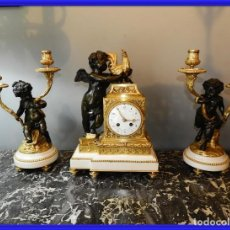 Relojes de carga manual: MAGNIFICO RELOJ LUIS XVI CON DOS CANDELABROS DE BRONCE Y MARMOL. Lote 251990680