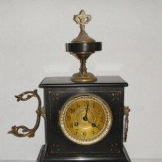 Relojes de carga manual: RELOJ ANTIGUO DE SOBREMESA. CARGA MANUAL. MÁRMOL NEGRO. MAQUINARIA PARÍS.. Lote 252205995