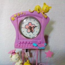 Relojes de carga manual: BONITO RELOJ INFANTIL CON PENDULO. Lote 254548840