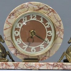 Relojes de carga manual: ANTIGUO RELOJ DE MARMOL Y METAL DORADO. ART DECO. FUNCIONA. Lote 255631065