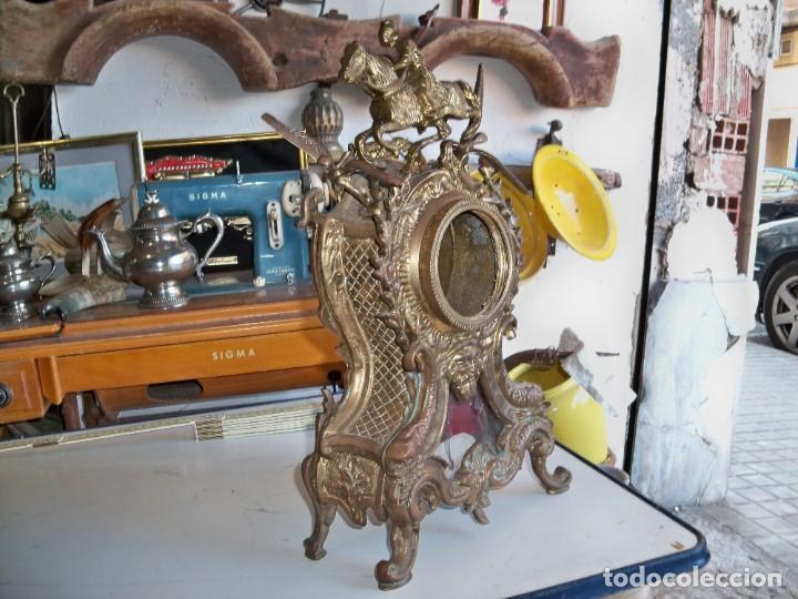 Relojes de carga manual: Antigua caja de bronce para reloj - Foto 3 - 257348245
