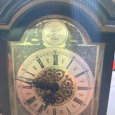 Relojes de carga manual: RELOJ 8 DAIS DE SOBREMESA CARGA MANUAL EN FUNCIONAMIENTO EN BAQUELITA CON PENDULO. Lote 257691330