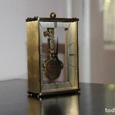Horloges à remontage manuel: PEQUEÑO RELOJ ESQUELETO DE SOBREMESA MECANICO. Lote 257940860