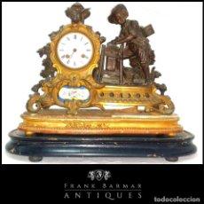 Relojes de carga manual: FANTÁSTICO RELOJ DE SOBREMESA -MUY ANTIGUO- EN BRONCE, CALAMINA Y PEANAS DE MADERA. Lote 260282865