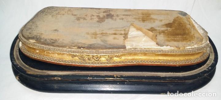 Relojes de carga manual: Fantástico reloj de sobremesa -muy antiguo- en bronce, calamina y peanas de madera - Foto 36 - 260282865