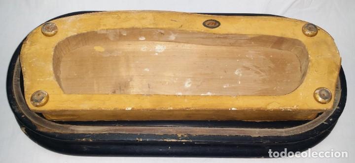 Relojes de carga manual: Fantástico reloj de sobremesa -muy antiguo- en bronce, calamina y peanas de madera - Foto 42 - 260282865