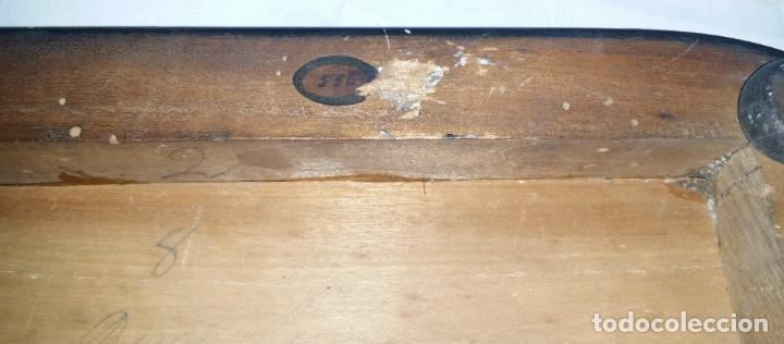 Relojes de carga manual: Fantástico reloj de sobremesa -muy antiguo- en bronce, calamina y peanas de madera - Foto 44 - 260282865