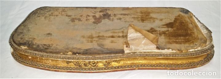 Relojes de carga manual: Fantástico reloj de sobremesa -muy antiguo- en bronce, calamina y peanas de madera - Foto 49 - 260282865