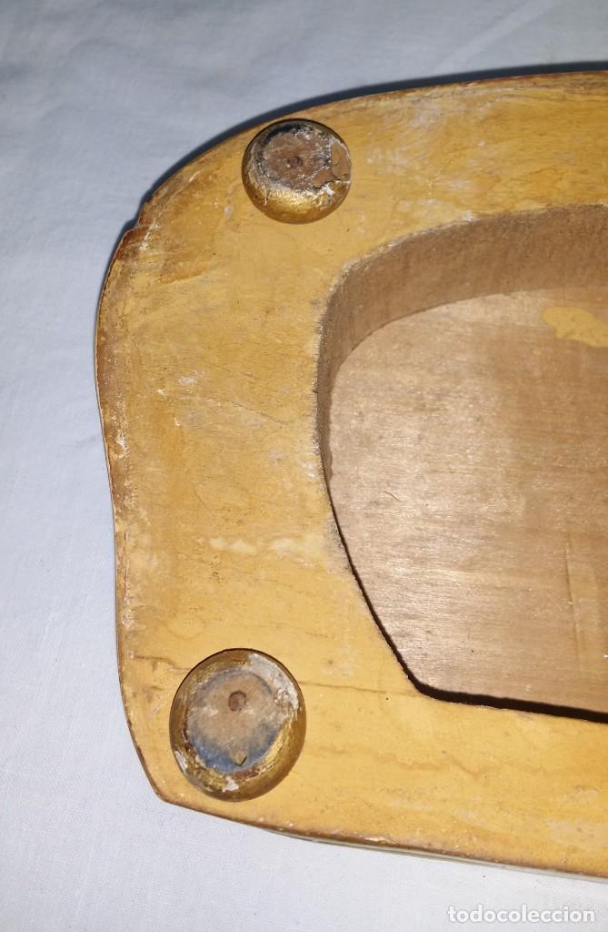 Relojes de carga manual: Fantástico reloj de sobremesa -muy antiguo- en bronce, calamina y peanas de madera - Foto 57 - 260282865