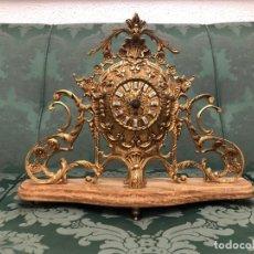Horloges à remontage manuel: RELOJ Y CANDELABROS DE BRONCE Y MÁRMOL. Lote 261619975