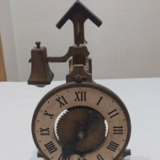 Relojes de carga manual: ANTIGUO RELOJ DE MADERA ESPAÑOL. Lote 262751300