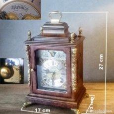 Relojes de carga manual: WARMINCK, RELOJ DE MESA DE NOGAL BURR (MODELO BRACKET) CON MECANISMO DE LUNA. Lote 262801655