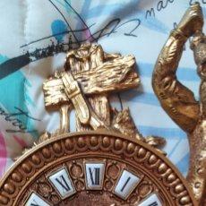 Relojes de carga manual: ANTIGUO E IMPRESIONANTE RELOJ DE BRONCE. Lote 264426469