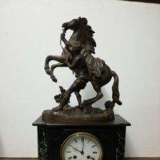 Relojes de carga manual: RELOJ MÁRMOL Y CABALLO CALAMINA FUNCIONANDO. Lote 264509919