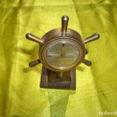 Relojes de carga manual: ANTIGUO RELOJ DE CUERDA ISBEN SWISS EN FORMA DE TIMÓN DE BARCO. Lote 265659229