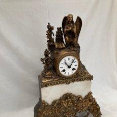 Relojes de carga manual: PRECIOSO RELOJ ANTIGUO CON IMAGEN RELIGIOSA!. Lote 268804509
