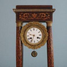 Relojes de carga manual: RELOJ DE PÓRTICO DE COLUMNAS. SIGLO XIX. MIDE 45 CM DE ALTURA.. Lote 271433083