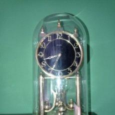 Orologi di carica manuale: RELOJ DE 400 DÍAS O ANIVERSARIO, KUNDO,MEDIDAS 30 X 20 CMS, COMPLETO CON SU LLAVE. Lote 276459478