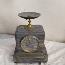 Relojes de carga manual: ANTIGUO RELOJ FRANCÉS MÁRMOL Y BRONCE SIGLO XIX. Lote 276908818