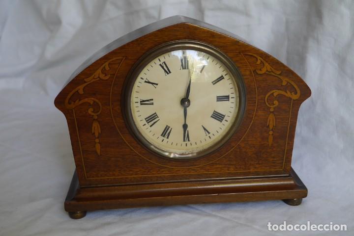Relojes de carga manual: Reloj de madera de sobremesa de cuerda, funcionando - Foto 2 - 277624293