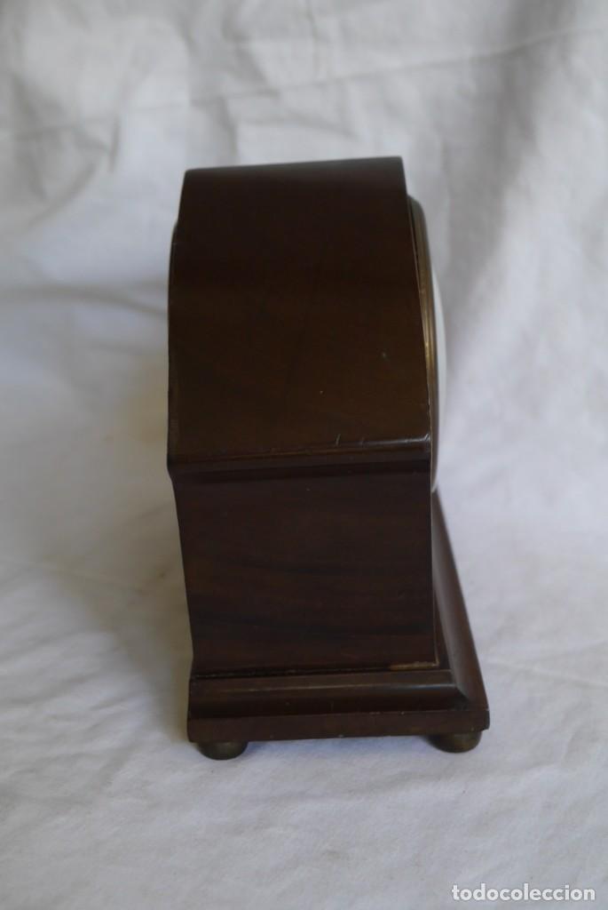 Relojes de carga manual: Reloj de madera de sobremesa de cuerda, funcionando - Foto 3 - 277624293