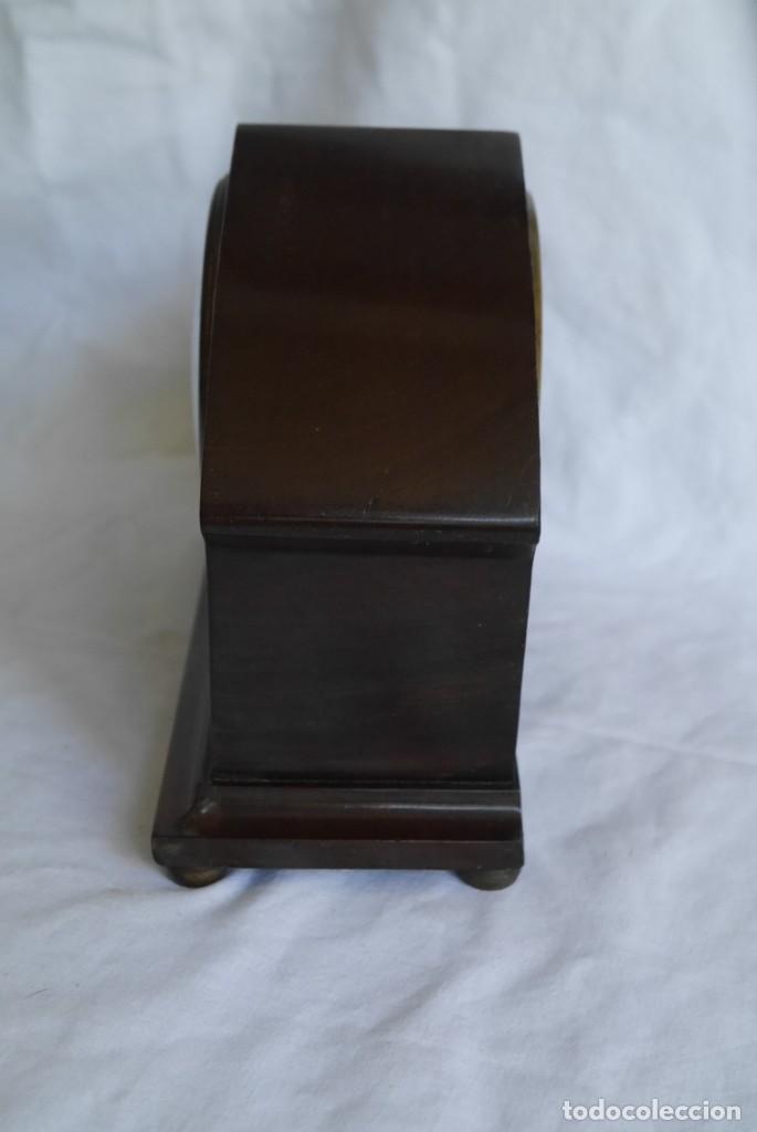 Relojes de carga manual: Reloj de madera de sobremesa de cuerda, funcionando - Foto 5 - 277624293