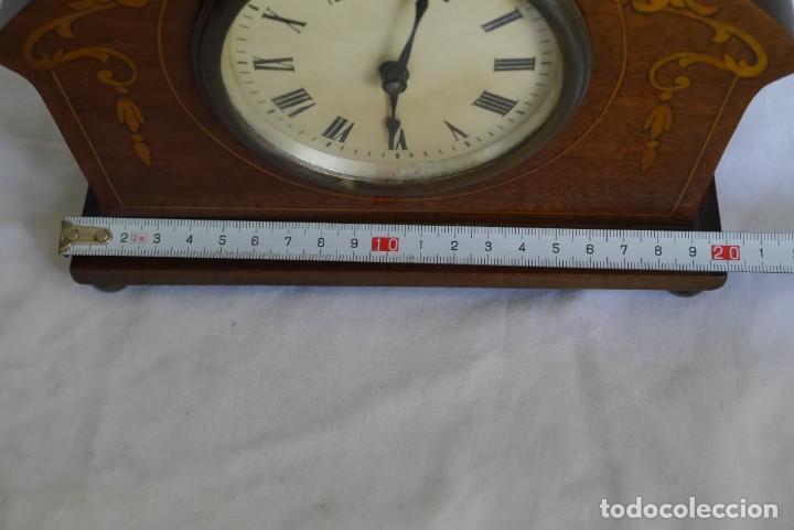 Relojes de carga manual: Reloj de madera de sobremesa de cuerda, funcionando - Foto 8 - 277624293