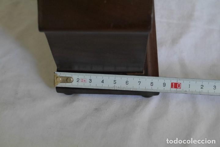 Relojes de carga manual: Reloj de madera de sobremesa de cuerda, funcionando - Foto 9 - 277624293