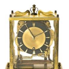 Relojes de carga manual: RELOJ DE SOBREMESA EN METAL DORADO, HACIA 1960-1970. ESTIMACIÓN 500€-550€. Lote 278440838