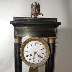 Relojes de carga manual: ANTIGUO Y ELEGANTE RELOJ PÓRTICO IMPERIO DE PÉNDULO,ES MITAD DEL SIGLO XIX. Lote 289462453