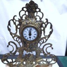 Relógios de carga manual: ANTIGUO RELOJ DE SUBREMESA DE BRONCE Y MARMOL A CUERDA FUNCIONANDO. 42 CM. GERMANY. Lote 291863133