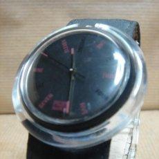 Relojes - Swatch: RELOJ DE PULSERA SWATCH - AÑOS 90S - FONDO NEGRO. Lote 25668612