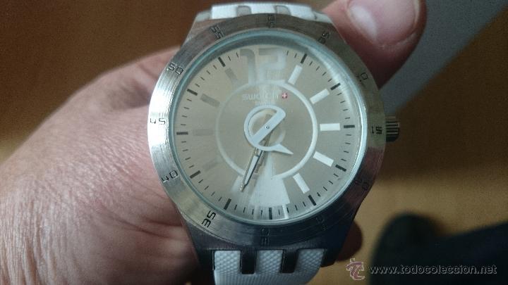 reloj de pulsera dedportivo swatch resistente al agua en acero relojes relojes actuales