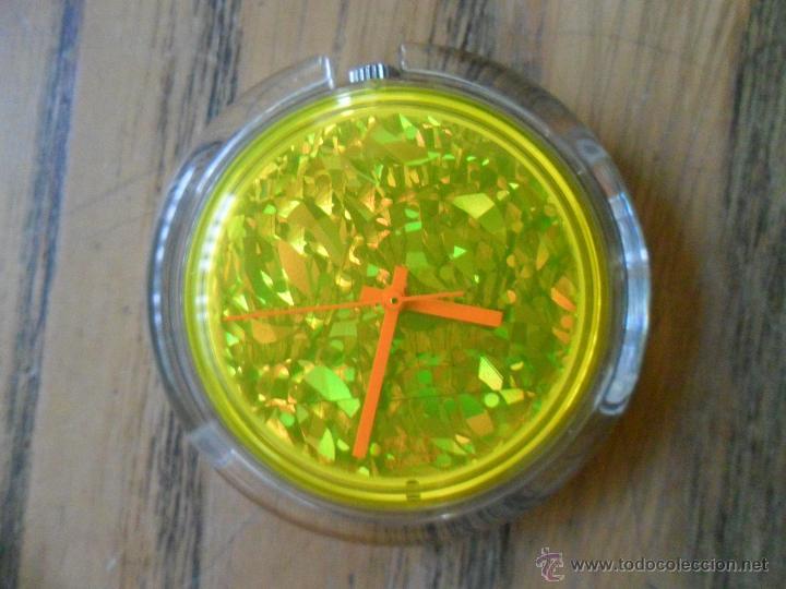 Relojes - Swatch: Swatch POP Feather. Special Club - Foto 4 - 53863394